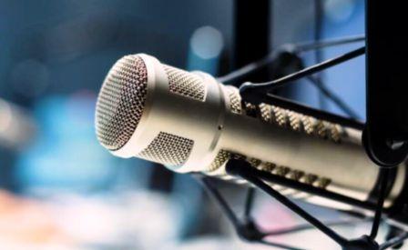 مصاحبه با رادیو فردا درباره حواشی انتشار نماهنگ پاره سنگ